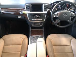 Mercedes-Benz ML ML400 - Image 9