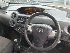 Toyota Etios hatch 1.5 Xs - Image 12