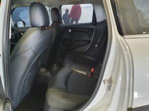 MINI Hatch Cooper Hatch 5-door auto - Image 8