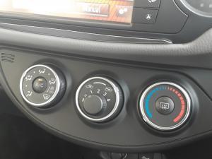 Toyota Yaris 1.0 - Image 10