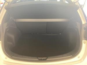 Toyota Yaris 1.5 Xi - Image 5