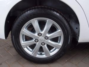 Toyota Yaris 1.3 - Image 11
