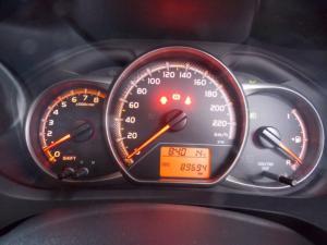 Toyota Yaris 1.3 - Image 8