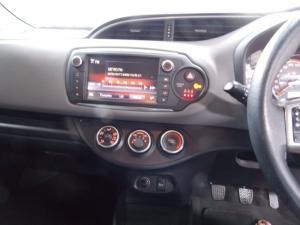 Toyota Yaris 1.3 - Image 9