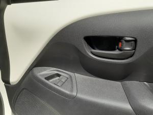 Peugeot 108 1.0 Active - Image 9