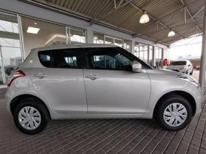 Suzuki Swift 1.2 GL automatic - Image 8