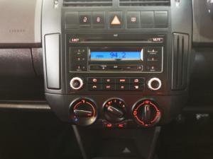 Volkswagen Polo Vivo hatch 1.4 Street - Image 10