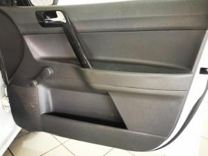 Volkswagen Polo Vivo hatch 1.4 Street - Image 12