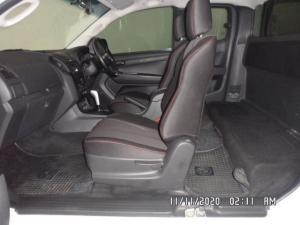 Isuzu D-MAX 250 HO HI-RIDE automatic E/CAB - Image 6