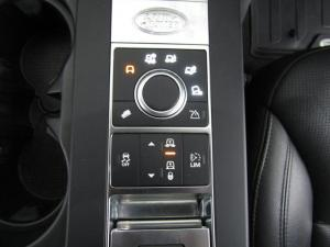 Land Rover Discovery 3.0 Si6 SE - Image 12