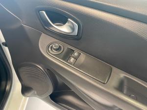 Renault Clio 88kW turbo Expression auto - Image 10