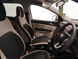 Renault Triber 1.0 Prestige - Image 8