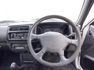 Mitsubishi Colt 2000i Hiline LWBS/C - Image 11
