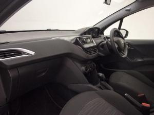 Peugeot 208 POP ART 1.0 Puretech 5-Door - Image 10