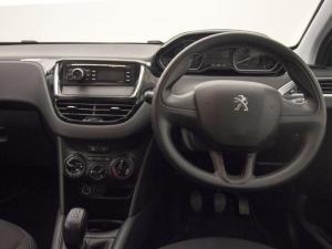 Peugeot 208 POP ART 1.0 Puretech 5-Door - Image 8