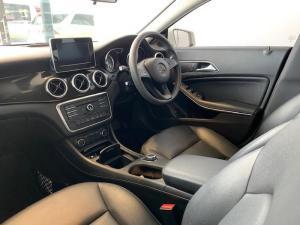 Mercedes-Benz CLA200 automatic - Image 5