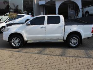 Toyota Hilux 3.0D-4D double cab Raider auto - Image 4