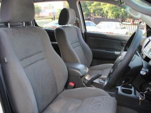 Toyota Hilux 3.0D-4D double cab Raider auto - Image 5