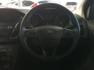 Ford Focus 1.5 Ecoboost Trend automatic 5-Door - Image 14