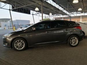 Ford Focus 1.5 Ecoboost Trend automatic 5-Door - Image 5