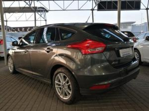 Ford Focus 1.5 Ecoboost Trend automatic 5-Door - Image 6