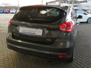 Ford Focus 1.5 Ecoboost Trend automatic 5-Door - Image 8