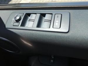 Land Rover Discovery SE Td6 - Image 11