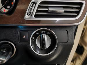 Mercedes-Benz E-Class E200 Avantgarde - Image 12