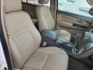 Toyota Fortuner 4.0 V6 Heritage Edition 4x4 - Image 10