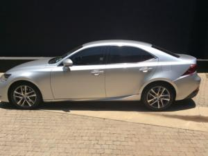 Lexus IS 200T EX/300 EX - Image 9
