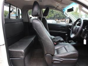 Toyota Hilux 2.4 GD-6 RB SRXE/CAB - Image 9