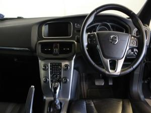 Volvo V40 Cross Country D3 Momentum - Image 8