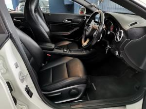 Mercedes-Benz CLA220d automatic - Image 8
