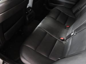 BMW 5 Series 520i - Image 9