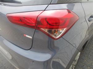 Hyundai i20 Active 1.4 Fluid - Image 13