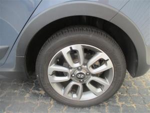Hyundai i20 Active 1.4 Fluid - Image 16