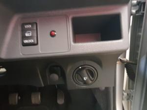 Toyota Etios hatch 1.5 Sport - Image 14