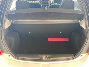 Toyota Etios hatch 1.5 Sport - Image 8