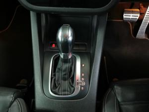 Volkswagen Scirocco R auto - Image 10