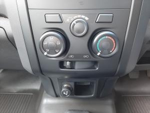 Isuzu D-Max 250C - Image 12