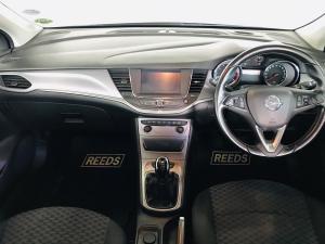 Opel Astra hatch 1.4T Enjoy - Image 14