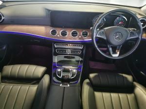 Mercedes-Benz E-Class E200 Exclusive - Image 6
