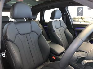 Audi Q5 2.0TDI quattro sport - Image 8