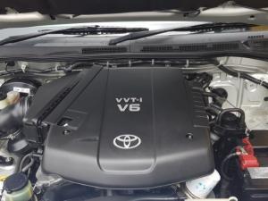 Toyota Fortuner V6 4.0 - Image 23