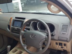 Toyota Fortuner V6 4.0 - Image 5