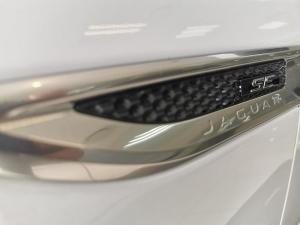 Jaguar E-PACE D180 2.0D SE - Image 11