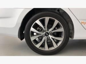 Hyundai Accent 1.6 GLS - Image 30