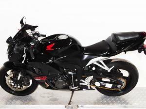 Honda CBR 600RR - Image 4