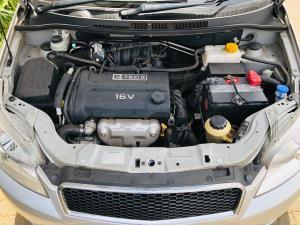 Chevrolet Aveo 1.6 L hatch - Image 10