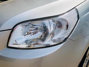 Chevrolet Aveo 1.6 L hatch - Image 12